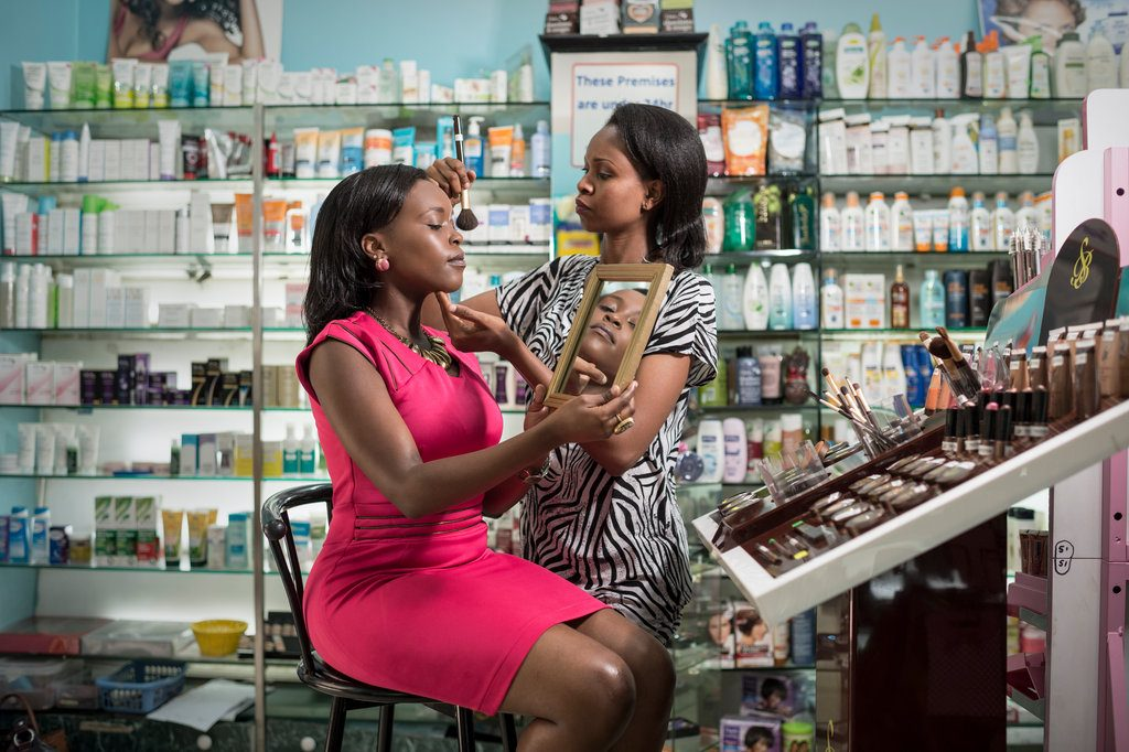 Makeup artists Lucrative Business Ideas in Nigeria to start in 2021