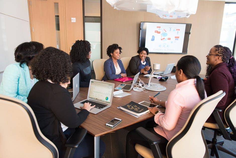 investors on online platform holds meeting