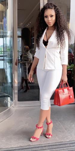 lady wearing white dress