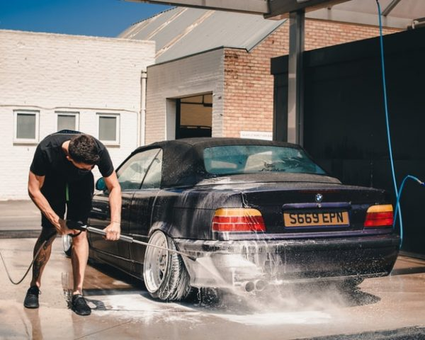 teenager in car wash business idea for students