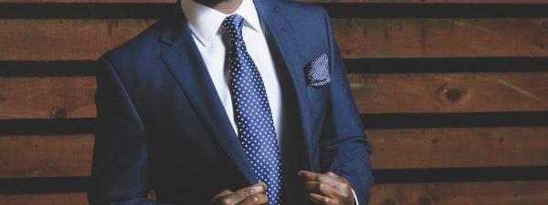A celebrity in US wearing tie