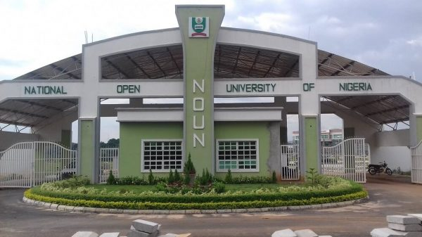 a Nigerian university that offers online degree for students