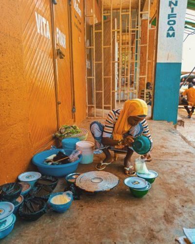 a Nigerian selling Kunu