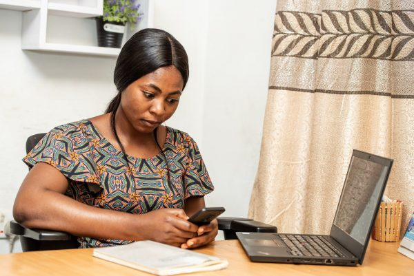 woman gets loan for small businesses in Nigeria