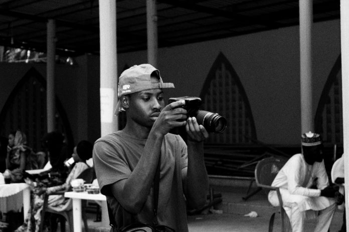 student photographer starts business on campus