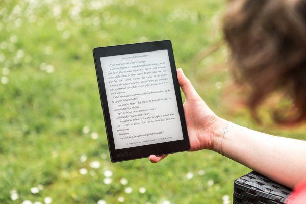 Lady reading an e-book